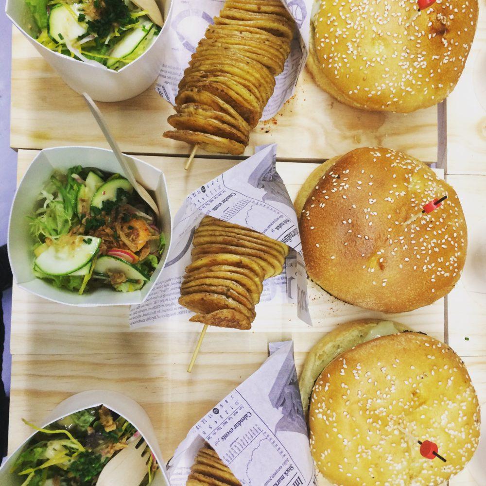 « The Street Food Tour » c'est une expérience gustative unique à la découverte des meilleurs spots « Street Food » de Bordeaux
